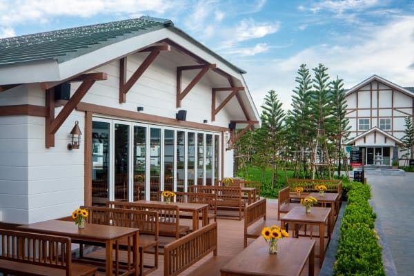 Chubeli Beer House at Movenpick Resort Cam Ranh